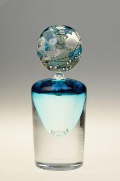 Valerie Vayre Perfumes Vintage, Antique Perfume Bottles, Vintage Perfume Bottles, Essential Oil Bottles, Essential Oil Perfume, Cut Glass, Glass Art, Beautiful Perfume, Pots