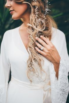 Whimsical bridal hair | Image by Amber Phinisee