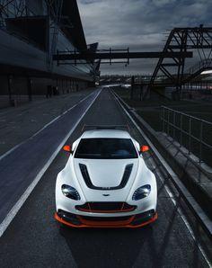 Aston Martin Vantage GT3 (by EncyclAuto)