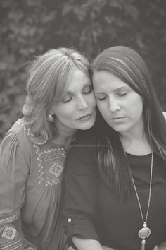 Mother Daughter | Buford Georgia Photographer. www.bridgettshepherdphotos.com #mother #daughter #posing