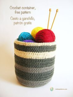 Container/Cesto - Free Crochet Pattern en English and Spanish here: http://chabepatterns.com/free-patterns-patrones-gratis/home-hogar/crochet-container-cesto-a-ganchillo/