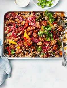 This speedy traybake is packed with fajita flavours, and is on the table in 30 minutes. You can make it veggie by replacing the chicken with diced sweet potato and butternut squash 30 Min Meals, Easy Meals, Healthy Dinners, Midweek Meals, Weeknight Dinners, Traybake Dinner, Sainsburys Recipes, Fajita Mix, Fajita Spices