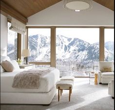 We talk to Victoria Hagan about her latest tome, Dream Spaces, and hear her thoughts on the beauty of the second home. Veranda Magazine, Sweet Home, Colorado Homes, Aspen Colorado Cabins, Colorado Springs, Colorado Mountain Homes, Stylish Bedroom, Suites, Architectural Digest