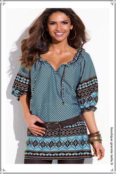 Tunique pas cher motifs marron et turquoise femme forte base droite et manche bouffante.