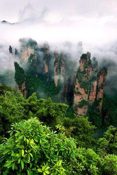 imalikshake: Zhangjiajie national park by Anan Charoenkal                    ~