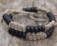 Macrame Natural Hemp Choker with Black Horn Beads - one for the guys Diy Hemp Bracelets, Hemp Jewelry, Jewelry Knots, Bracelet Crafts, Crochet Bracelet, Paracord Bracelets, Macrame Jewelry, Macrame Bracelets, Bracelets For Men