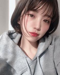 Korean Girl, Asian Girl, Wow 2, Cute Strawberry, Ulzzang Girl, Korean Actors, Beautiful People, Short Hair Styles, Just For You