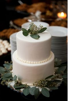 """love the """"Pearls"""" on the bottom of the base smooth or runched up? simple / rustic cake #GabrielCo #WeddingCake"""