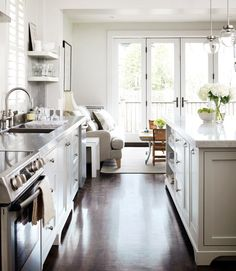 Stylish Kitchen With Delicate Design And Thoughtful Touches | DigsDigs | #kitchen #design