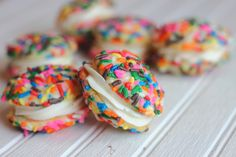 Funfetti Inspired Whoopie Pie Sandwich Cookies made with the Best Ever Buttercream Frosting Köstliche Desserts, Delicious Desserts, Dessert Recipes, Yummy Food, Dessert Healthy, Cupcakes, Cupcake Cakes, Cake Pops, Macarons