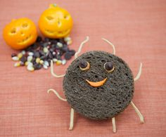 Scare up some adorable grub with these cute Halloween sandwiches!