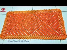 Olá, meu nome é Débora, sejam todos bem vindos ao canal CrocheTerapiaArtBaby ! Criei esse Canal com a finalidade de ensinar a arte do crochê de maneira fácil... Crochet Squares, Crochet Granny, Crochet Motif, Crochet Designs, Crochet Doilies, Crochet Baby, Crochet Patterns, Crochet Table Mat, Crochet Afgans