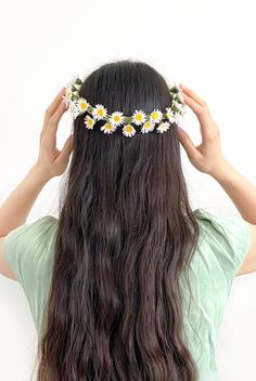 Make your very own flower crown with this DIY kit. The kit includes everything to create a crepe paper daisy flower crown for summer festivals, parties, or costumes. How To Make Crepe, How To Make Paper Flowers, Crepe Paper Flowers, Diy Flower Crown, My Flower, Columbine Flower, Very Beautiful Flowers, Paper Daisy, Star Diy