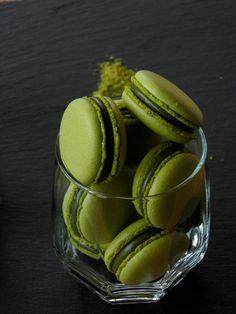 Blog, amely házi készítésű bonbon és csokoládé recepteket tartalmaz. Pavlova, Macarons, Mousse, Panna Cotta, Biscuits, Favorite Recipes, Fruit, Ethnic Recipes, Pizza