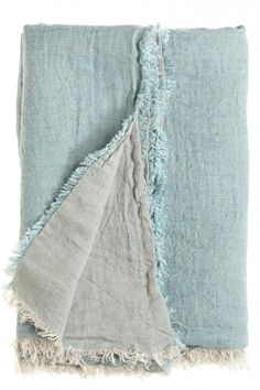 A linen throw....hmmm...I may have to make myself one of these!  Great gift idea too...