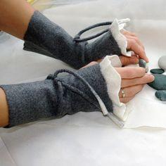 Felt wrist warmers - Romantic lightness/ Hand felted wrist warmers/ wristlets/ fingerless gloves/ cuffs/gray and white/ made to order