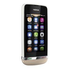Smartphone de gama media que te permite conectarte a internet y tomar fotos con su cámara de 3.0 Megapíxeles, a un precio bajísimo.