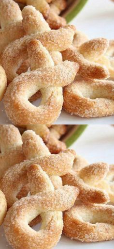 A simple recipe for crispy homemade cookies from an Italian grandmother. Homemade Sweets, Homemade Cookies, Baking Recipes, Cookie Recipes, Dessert Recipes, Greek Recipes, Italian Recipes, Food N, Food And Drink