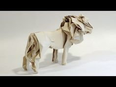 This video shows some beautiful animal creations made in origami. They are really inspiring for those origami and animal lovers. For more videos and informat. Origami Lion, Origami Turtle, Origami Dragon, Origami Animals, 3d Origami, Origami Flowers, Origami Easy, Origami Paper, Origami Design