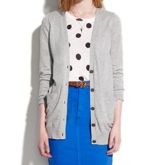 Host pickMadewell the long cardigan Love this Madewell cardigan! It's sold out everywhere! It features an extra long length, button front 3 front pockets and 100 cotton Madewell Sweaters Cardigans