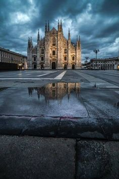 Duomo In Dark by Luca Libralato Places To Travel, Places To See, Italy Tours, City Aesthetic, Milan Italy, City Photography, Cool Landscapes, Landscape Photos, Vacation Trips