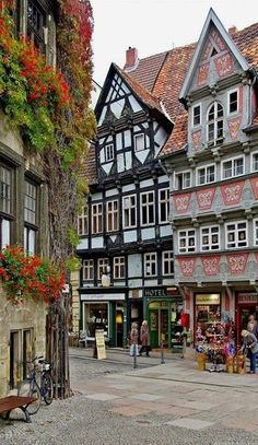 Market square of Quedlinburg in Saxony-Anhalt, Germany  (by Manfred Kehr)
