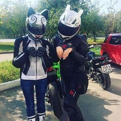 Your sensational love of CATS now available in Motorcycle Helmet Fashion. vented fronts of the ears allow wind to breath and you to purr. Motorcycle Couple, Motorcycle Helmets, Cat Valentine Victorious, Ariana Grande Facts, Cats Tumblr, Ride Out, Ninja Girl, Sam And Cat, Lady Biker