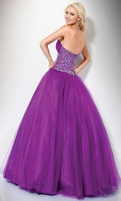 Alexis.. I have a dress similar to this one but its orange.. If your interested, let me know! :)