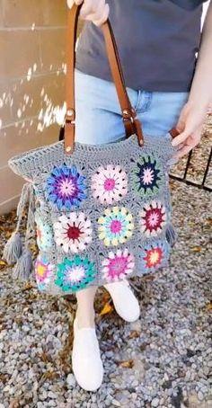 Diy Crochet And Knitting, Crochet Tote, Crochet Handbags, Crochet Videos, Crochet Crafts, Crochet Projects, Crochet Bag Tutorials, Crochet Purse Patterns, Crochet Flower Tutorial