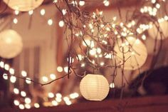 Simple Decorating For Your End-Of-Summer Party: String Lights  http://blog.freepeople.com/2012/08/simple-decorating-string-lights/