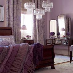dormitorio con acentos morados
