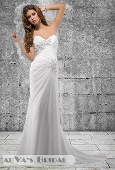 2013 Sheath / Column Style Sweetheart & Halter Neckline Sleeveless Court Train White Chiffon Wedding Gown with Applique (CWG272)