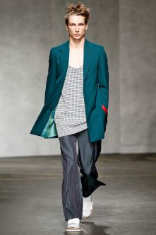 The Xander Zhou ss 2015 collection was inspired by Star Wars and featured a lot of overseized items, such as this jacket and the pants presented here. We are not crazy about the oversized pieces, but the colors are really a great source of inspiration!  See the best looks at London Collections: Men  http://attireclub.org/2014/06/20/london-collections-men-spring-summer-2015/  #LCM #menswear #style #fashion #elegance #clothes #mensfashion