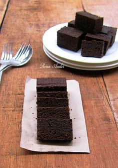 D a p u r M a n i s: Brownies Kukus Ny. Liem (I should try this one! it a must!)