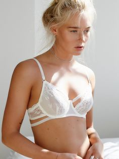 FP INTIMATELY Dream of Me Sheer Lace Underwire Demi Bra (Ivory)