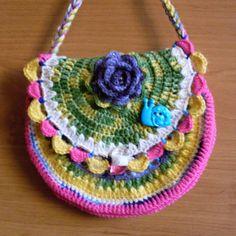Háčkovaná kabelka dětská s růží