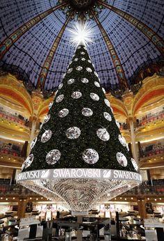 Swarovski Christmas Tree in  Galleries Lafayette, Paris.