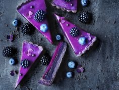 Chocolate pie with blackcurrant ganache Chocolate pie with blackcurrant ganache – recipe for the best cake! Sweets Recipes, No Bake Desserts, Cake Recipes, Baking Recipes, Ganache Cake, Ganache Recipe, How To Make Cookies, How To Make Cake, How To Make Marzipan