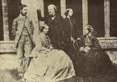 Henry Fox Talbot:  Una de las primeras fotografias en a historia, No tanto como Niepce pero si unos años después.