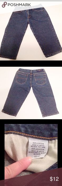 "BOGO free!  LEI Cropped Jeans Junior size 5 LEI legging jeans worn but in very good condition. 100% cotton.  Waist: 28"", Hips: 38"", Inseam: 15 1/2 inches.   (Be sure to ask about our BOGO FREE offer!!  Look for details listing in closet!) lei Jeans Ankle & Cropped"