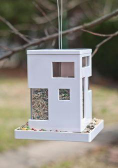 Bird feeder for terraces