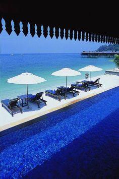 Un hôtel grand luxe sur une île privée de Malaisie... Ça vous tente ? Le Pangkor Laut Resort 5* offre une expérience inédite de bien-être mêlé à un raffinement extrême, le tout dans un cadre de rêve ! #spa #asie