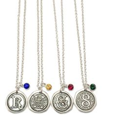 Hogwarts House Seal Charm Necklace ($20) ❤ liked on Polyvore featuring jewelry, necklaces, harry potter, accessories, charm chain necklace, charm necklace, chain necklace, chains jewelry and charm jewelry