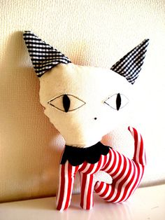 20 off   Handmade Red and white Striped Cat Stuffed by cronopia6, $13.60