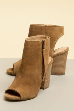 Peep show Tan Boots, Ankle Boots, Summer Shorts, Shoe Shop, Kid Shoes, Cute Dresses, Heeled Mules, Peep Toe, Footwear