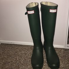 Hunter Rain Boots Size 8, tall, dark green hunters! Only worn a few times, in new condition! Hunter Boots Shoes Winter & Rain Boots
