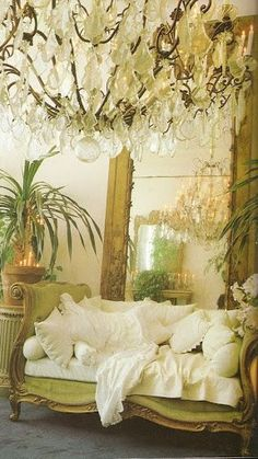 women decor, shabby chic