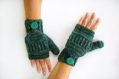 Hand Dyed Convertible Fingerless Mittens by CreativeEndeavorsKS
