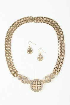 Circular Rhinestone Filigree Necklace