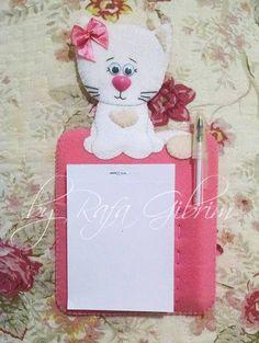 https://flic.kr/p/BSkhns   Porta bloco de anotações de gatinha.   Porta bloco de anotações de gatinha. Para presentear a esposa do Fernando - Campinas / SP.